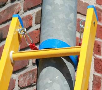 Riem met aantreksluiting inclusief bevestingspunten voor ladder