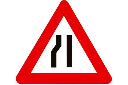 Verkeersbord  'Rijbaanversmalling naar rechts'